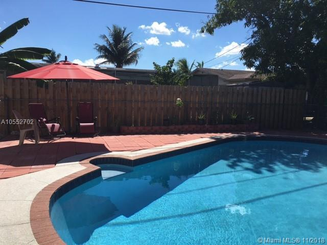 9660 NW 24th Ct, Sunrise, FL 33322 (MLS #A10552702) :: The Riley Smith Group