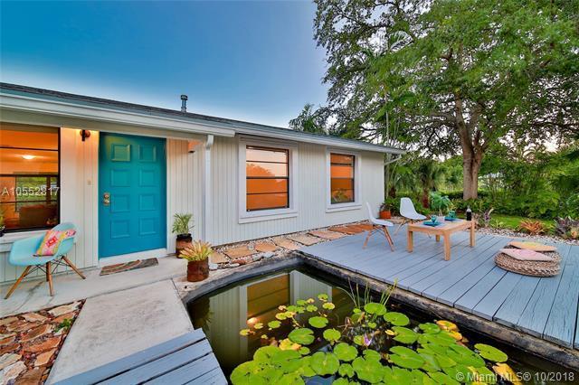 8620 SW 179th St, Palmetto Bay, FL 33157 (MLS #A10552817) :: Carole Smith Real Estate Team