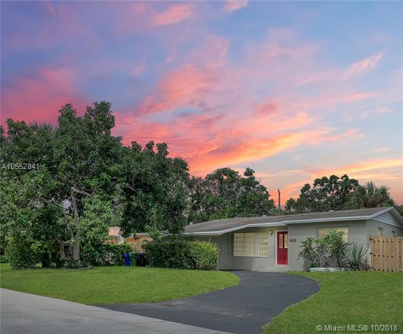 1525 SW 13th St, Fort Lauderdale, FL 33312 (MLS #A10552841) :: Green Realty Properties