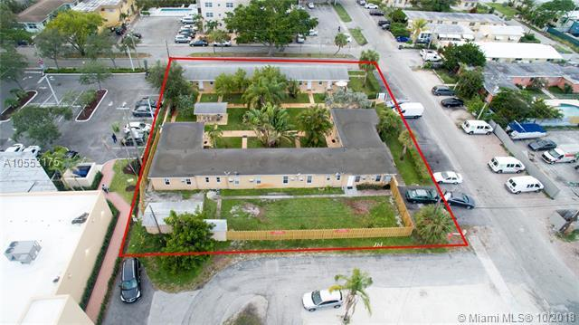 1822 Dixianna St, Hollywood, FL 33020 (MLS #A10553175) :: The Jack Coden Group