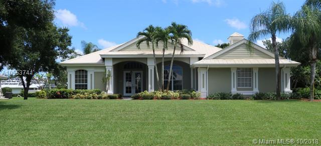 1564 SW Jasmine Trce, Palm City, FL 34990 (MLS #A10553741) :: Green Realty Properties