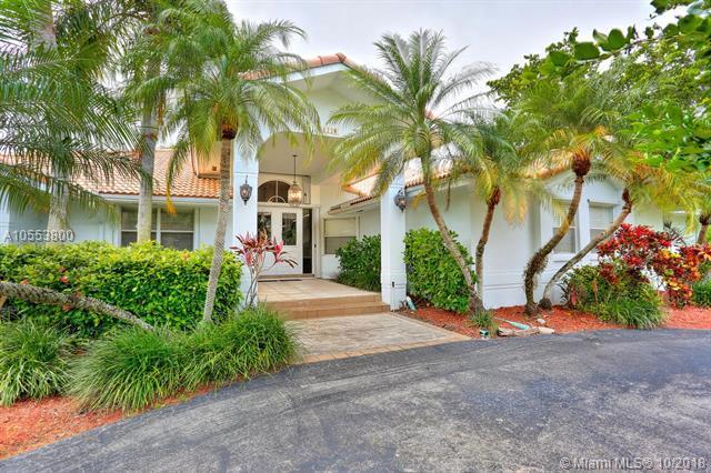 16220 SW 77th Ct, Palmetto Bay, FL 33157 (MLS #A10553800) :: Carole Smith Real Estate Team