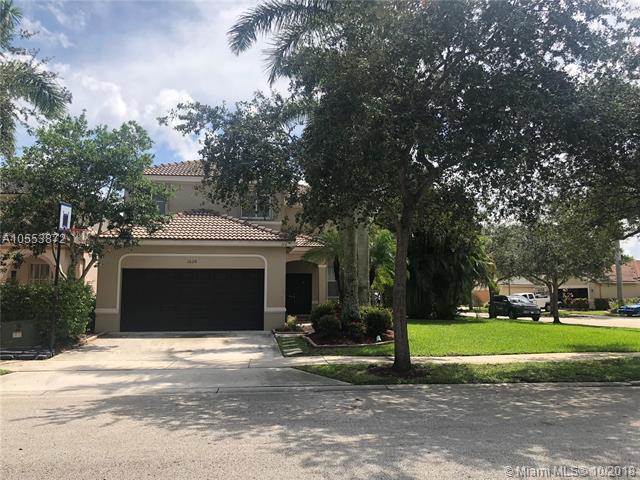 1620 Winterberry Ln, Weston, FL 33327 (MLS #A10553872) :: Green Realty Properties