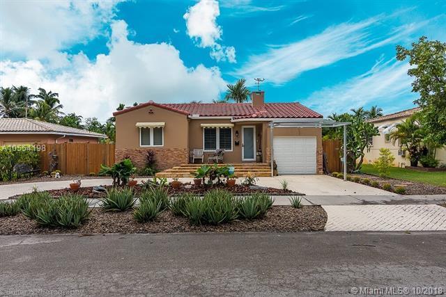 1438 Monroe St, Hollywood, FL 33020 (MLS #A10554198) :: Stanley Rosen Group