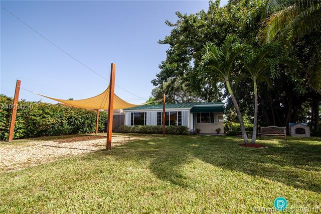 1400 NE 176th St, North Miami Beach, FL 33162 (MLS #A10554250) :: Hergenrother Realty Group Miami