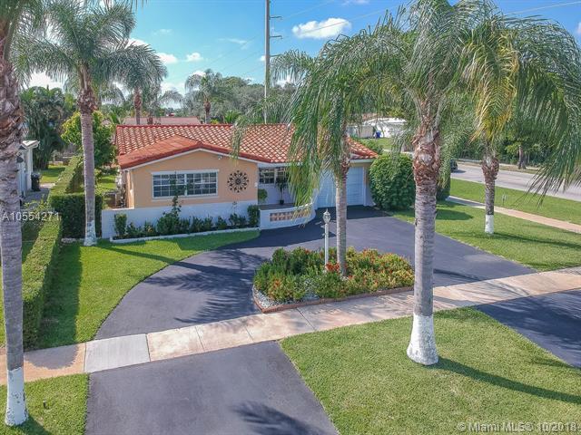 5524 Garfield St, Hollywood, FL 33021 (MLS #A10554271) :: Green Realty Properties