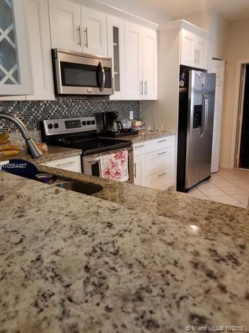 3902 Cherry Ln #3902, Weston, FL 33332 (MLS #A10554487) :: Green Realty Properties