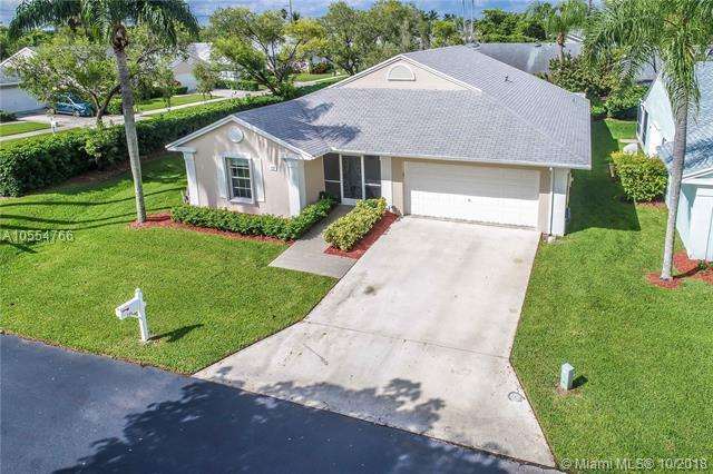 722 SE 27th Dr, Homestead, FL 33033 (MLS #A10554766) :: Carole Smith Real Estate Team