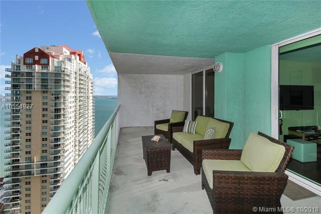 1200 Brickell Bay Dr #3214, Miami, FL 33131 (MLS #A10554927) :: The Riley Smith Group