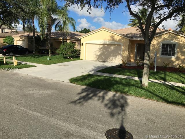 2231 SW 106th Ave, Miramar, FL 33025 (MLS #A10555335) :: Laurie Finkelstein Reader Team