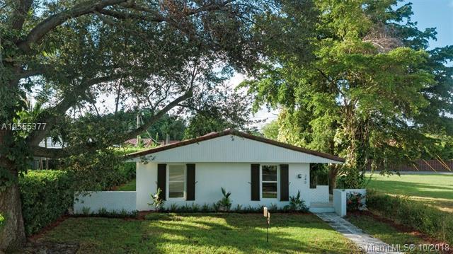 240 NE 97th St, Miami Shores, FL 33138 (MLS #A10555377) :: The Jack Coden Group