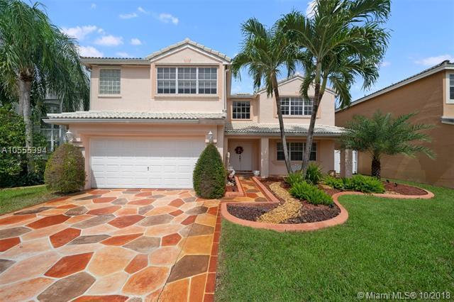 10151 SW 9th Ln, Pembroke Pines, FL 33025 (MLS #A10555394) :: Green Realty Properties