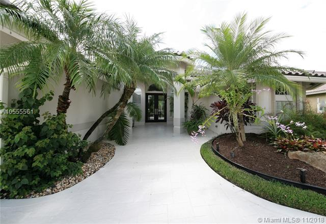 6458 NW 99th Ave, Parkland, FL 33076 (MLS #A10555561) :: The Chenore Real Estate Group