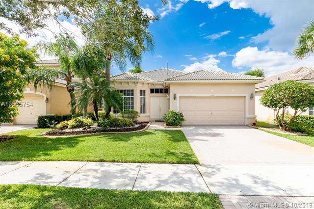 6281 SW 195th Ave, Pembroke Pines, FL 33332 (MLS #A10555754) :: The Teri Arbogast Team at Keller Williams Partners SW
