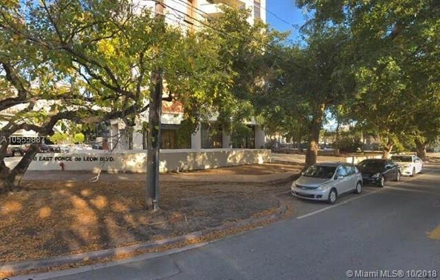 911 E Ponce De Leon Blvd #1103, Coral Gables, FL 33134 (MLS #A10555887) :: The Jack Coden Group