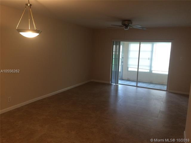 7600 NW 4th Place #108, Margate, FL 33063 (MLS #A10556262) :: Green Realty Properties