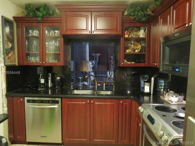 1571 NW 77TH Way, Pembroke Pines, FL 33024 (MLS #A10556448) :: Green Realty Properties