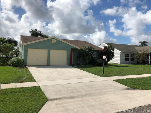 7724 Canal Dr, Lake Worth, FL 33467 (MLS #A10556970) :: Green Realty Properties