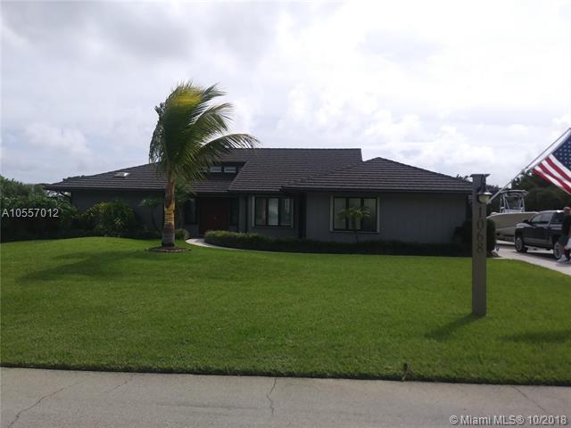 1068 NE Quinn Pl, Jensen Beach, FL 34957 (MLS #A10557012) :: Prestige Realty Group