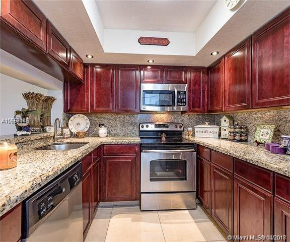 12950 SW 4th Ct 403H, Pembroke Pines, FL 33027 (MLS #A10557145) :: United Realty Group