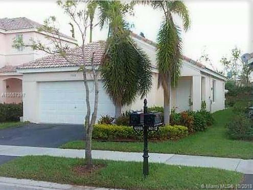 4068 Pine Ridge Ln, Weston, FL 33331 (MLS #A10557397) :: United Realty Group