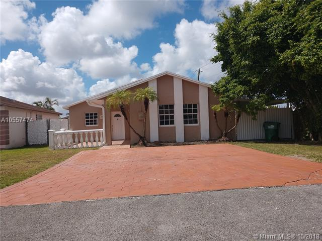 19880 NW 54th Ave, Miami Gardens, FL 33055 (MLS #A10557474) :: Green Realty Properties