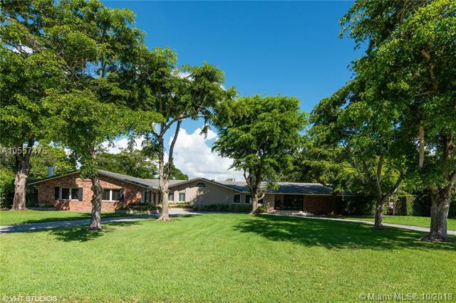 6725 SW 117th St, Pinecrest, FL 33156 (MLS #A10557475) :: The Riley Smith Group