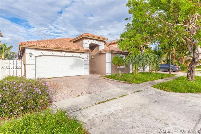 5020 SW 133rd Ave, Miramar, FL 33027 (MLS #A10557522) :: The Teri Arbogast Team at Keller Williams Partners SW