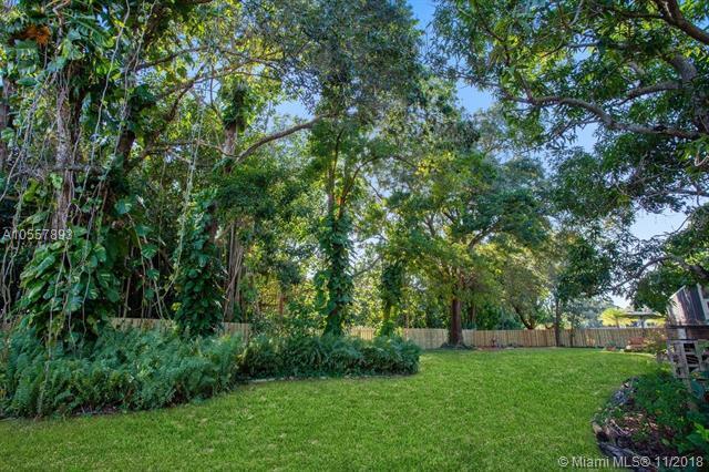 6000 Banyan Ter, Plantation, FL 33317 (MLS #A10557893) :: Prestige Realty Group