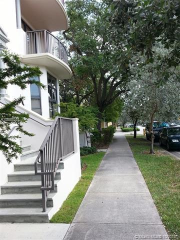 1650 Galiano St Th7, Miami, FL 33134 (MLS #A10558044) :: Green Realty Properties