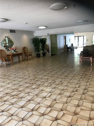 1301 NE 7th St #407, Hallandale, FL 33009 (MLS #A10558202) :: RE/MAX Presidential Real Estate Group