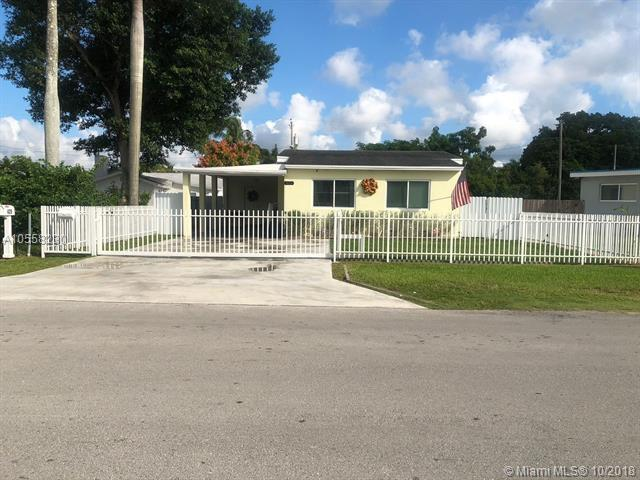 421 NW 10th St, Homestead, FL 33030 (MLS #A10558230) :: The Teri Arbogast Team at Keller Williams Partners SW