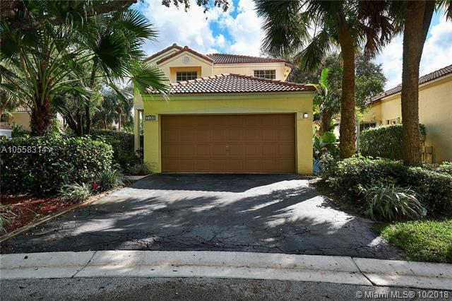 1150 NW 111th Ave, Plantation, FL 33322 (MLS #A10558314) :: The Teri Arbogast Team at Keller Williams Partners SW