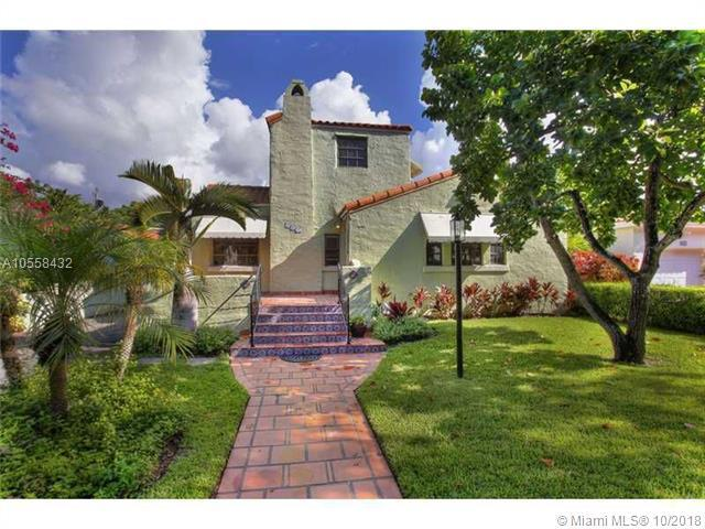 809 Valencia Ave, Coral Gables, FL 33134 (MLS #A10558432) :: The Jack Coden Group