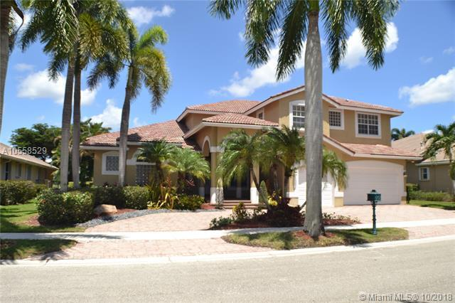 2531 Montclaire Cir, Weston, FL 33327 (MLS #A10558529) :: Green Realty Properties
