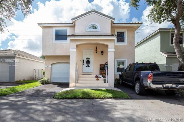 809 NW 98th Ave, Plantation, FL 33324 (MLS #A10558753) :: Green Realty Properties