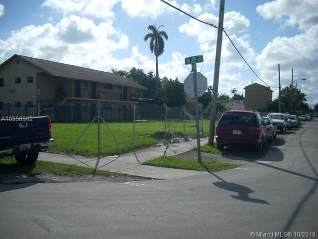 1744 NW 15th Ave, Miami, FL 33125 (MLS #A10558902) :: Green Realty Properties