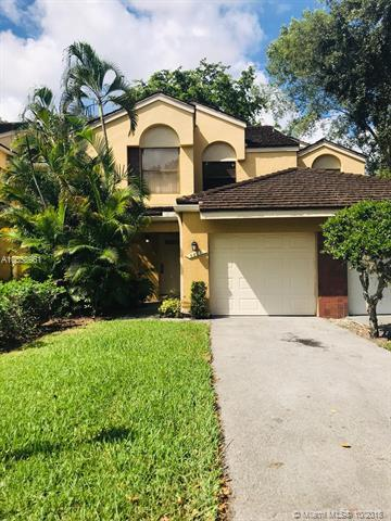 9821 NW 1st Ct #9821, Plantation, FL 33324 (MLS #A10558961) :: Green Realty Properties