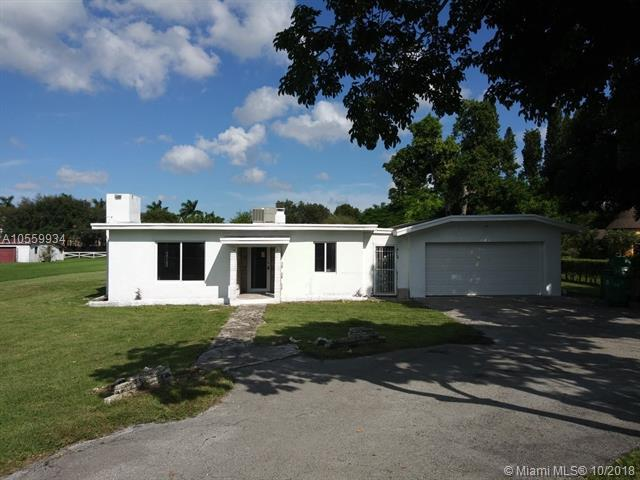 4750 SW 70th Ave, Davie, FL 33314 (MLS #A10559934) :: The Riley Smith Group