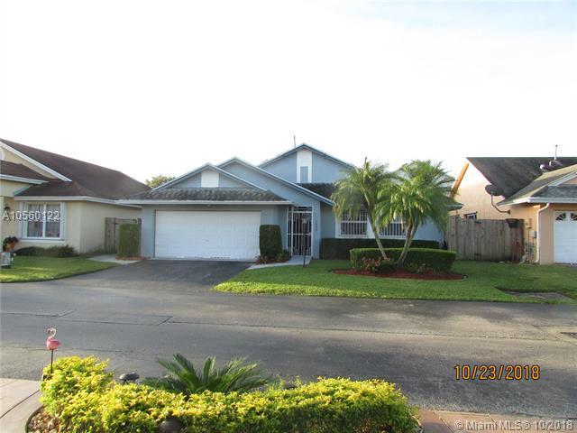7888 NW 192 ST, Hialeah, FL 33015 (MLS #A10560122) :: Green Realty Properties