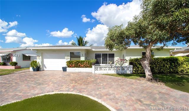 6705 NW 58th Court, Tamarac, FL 33321 (MLS #A10560643) :: Green Realty Properties