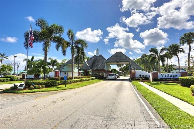 1036 Oakridge D #1036, Deerfield Beach, FL 33442 (MLS #A10560675) :: Miami Villa Team