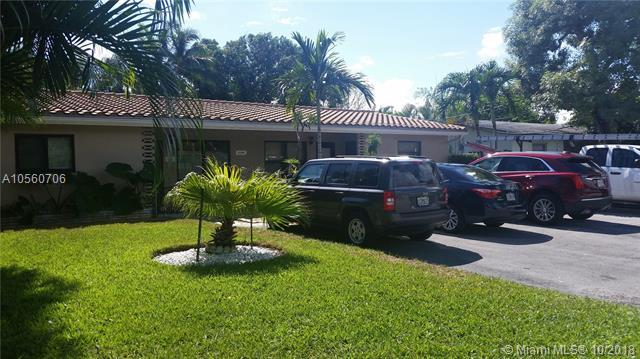 1644 NE 33rd St, Oakland Park, FL 33334 (MLS #A10560706) :: The Teri Arbogast Team at Keller Williams Partners SW