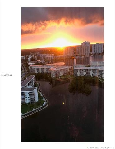 1000 W Island Boulevard #2410, Aventura, FL 33160 (MLS #A10560785) :: The Kurz Team