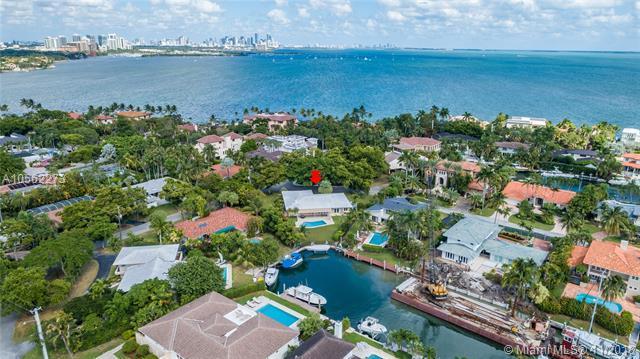 144 E Sunrise Ave, Coral Gables, FL 33133 (MLS #A10562273) :: The Maria Murdock Group