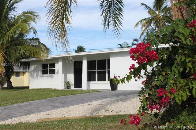 3677 NE Melba Dr, Jensen Beach, FL 34957 (MLS #A10562444) :: The Teri Arbogast Team at Keller Williams Partners SW