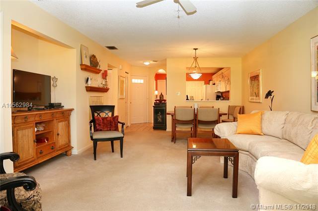 93 NW 98th Ter Na, Plantation, FL 33324 (MLS #A10562984) :: Green Realty Properties