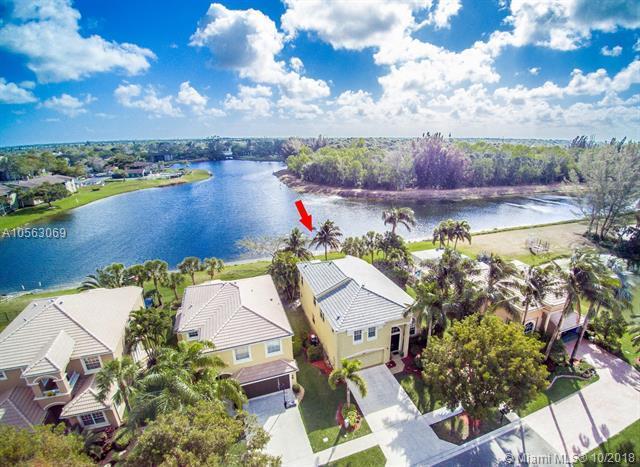2105 Reston Cir, Royal Palm Beach, FL 33411 (MLS #A10563069) :: The Riley Smith Group