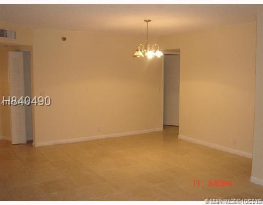3300 NE 191st St #1207, Aventura, FL 33180 (MLS #A10563486) :: The Paiz Group
