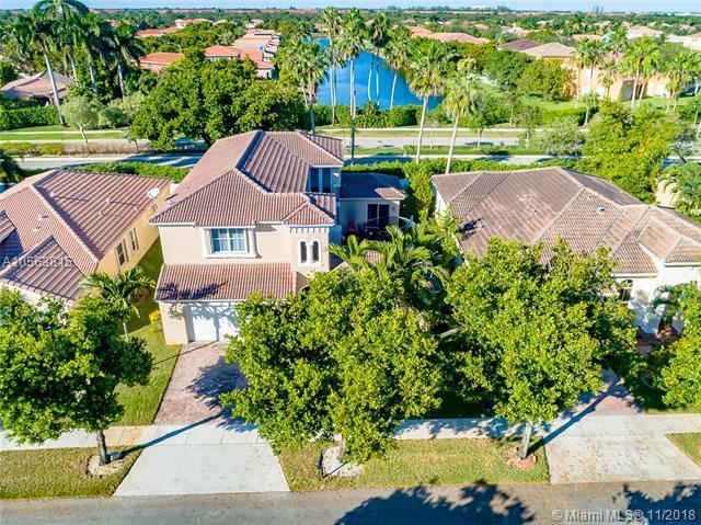 13097 SW 26th St, Miramar, FL 33027 (MLS #A10563815) :: Green Realty Properties